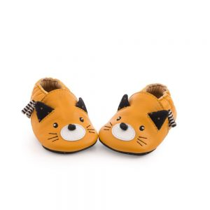 Chaussons_cuir_chat_moutarde_Les_moustaches_12-18_mois_-_Moulin_Roty_1